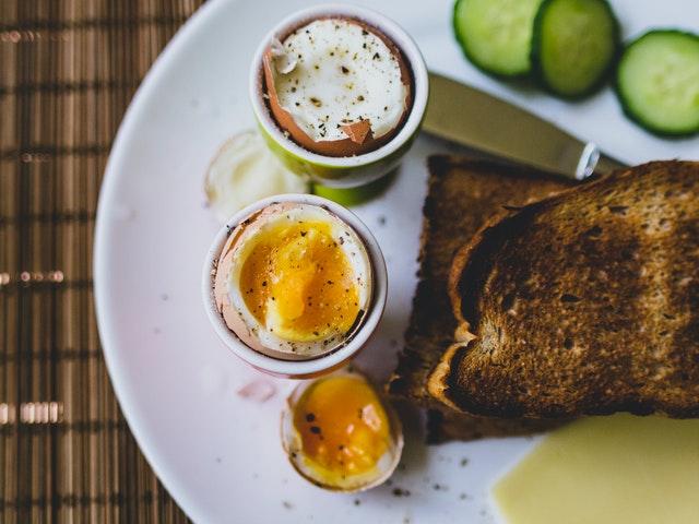 Leckerer Toast und Ei